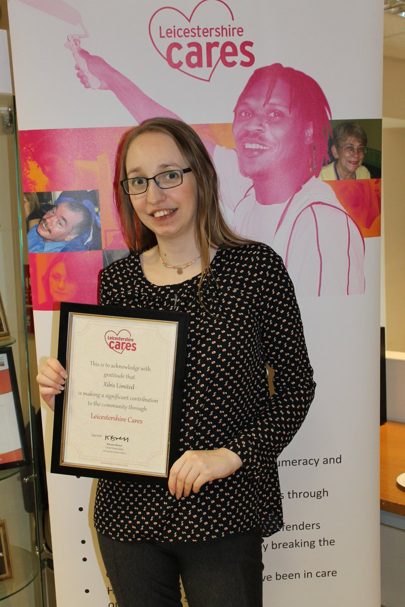 Fiona receiving Leicestershire Cares ceritificate